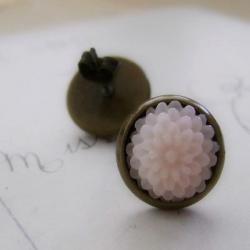 Antiqued Brass Mini Mum Earrings in Palest Pink